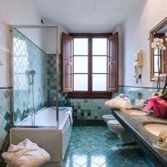 Paris Hotel 3* Стандартный номер с двуспальной кроватью