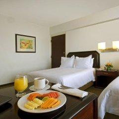 Отель Fiesta Inn Chihuahua 3* Улучшенный номер с различными типами кроватей фото 3