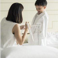 Four Seasons Hotel Singapore 5* Номер Делюкс с двуспальной кроватью фото 5