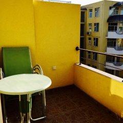 Отель Complex Sands Holiday Apartments Болгария, Солнечный берег - отзывы, цены и фото номеров - забронировать отель Complex Sands Holiday Apartments онлайн балкон