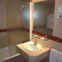 Отель Senator Castellana (I) 3* Стандартный номер с двуспальной кроватью фото 16