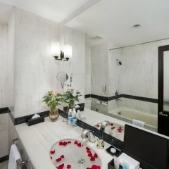 Quoc Hoa Premier Hotel 4* Номер Делюкс двуспальная кровать фото 6