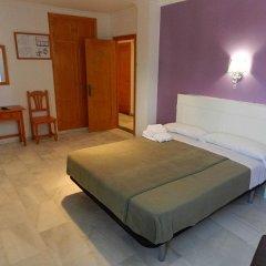 Отель Hostal El Alferez Испания, Вехер-де-ла-Фронтера - отзывы, цены и фото номеров - забронировать отель Hostal El Alferez онлайн комната для гостей фото 2