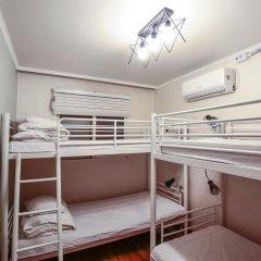 Отель Aroha Guest House 2* Кровать в общем номере с двухъярусной кроватью фото 3