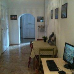 Апартаменты Caterina Private Rooms and Apartments Стандартный номер с различными типами кроватей (общая ванная комната) фото 28
