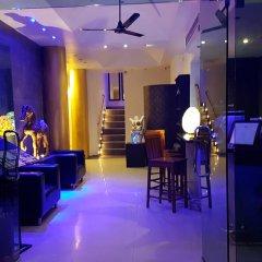 Отель East Suites гостиничный бар
