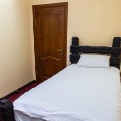 Гостиница Dniprovskiy Dvir комната для гостей фото 5