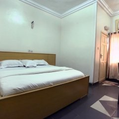 Отель Semper Diamond Lodge сейф в номере