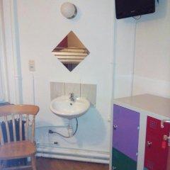 Brussels Louise Hostel Кровать в общем номере с двухъярусной кроватью фото 8