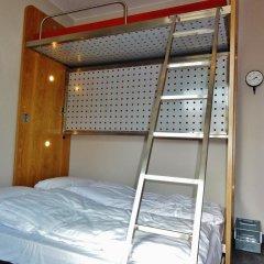 Train Hostel Кровать в женском общем номере с двухъярусной кроватью