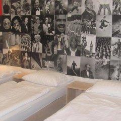 Hostel Florenc Кровать в общем номере с двухъярусной кроватью фото 2
