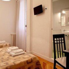 Отель Hostal Besaya Стандартный номер с различными типами кроватей фото 4