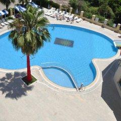 Rizzi Hotel бассейн фото 2
