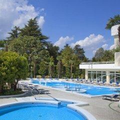 Отель Due Torri Италия, Абано-Терме - отзывы, цены и фото номеров - забронировать отель Due Torri онлайн бассейн