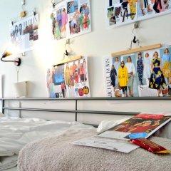 Kiez Hostel Berlin Кровать в общем номере с двухъярусной кроватью фото 15