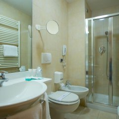 Отель Mercure Torino Crystal Palace 4* Стандартный номер с двуспальной кроватью