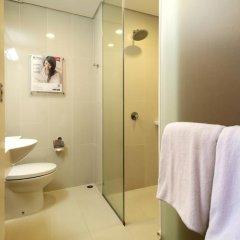Отель Red Planet Davao 2* Стандартный номер с различными типами кроватей фото 8