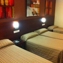 Отель Hostal Abadia Стандартный номер с 2 отдельными кроватями фото 6
