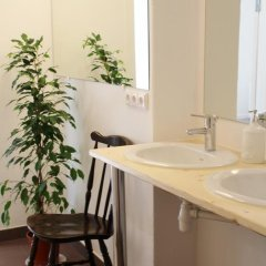 Отель Tree House Латвия, Рига - отзывы, цены и фото номеров - забронировать отель Tree House онлайн ванная фото 2