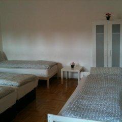 Апартаменты Caterina Private Rooms and Apartments Стандартный номер с различными типами кроватей (общая ванная комната) фото 3