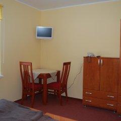 Отель Bluszcz 2* Стандартный номер с 2 отдельными кроватями фото 14