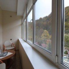Гостиница Motel Natali Украина, Поляна - отзывы, цены и фото номеров - забронировать гостиницу Motel Natali онлайн балкон