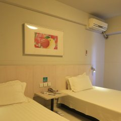 Отель Jinjiang Inn Tianjin Heping Anshandao 2* Стандартный номер с различными типами кроватей