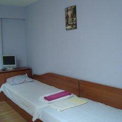 Отель East Gate Guest Rooms Стандартный номер с различными типами кроватей фото 19