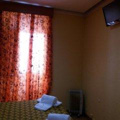 Отель Pensao Residencial Flor dos Cavaleiros 2* Люкс с различными типами кроватей фото 7