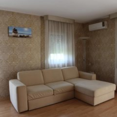 Апартаменты 1000 Home Apartments комната для гостей фото 3