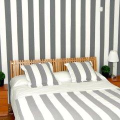 Отель Hostal Cervantes комната для гостей