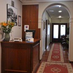 Отель Pension Alameda Испания, Сан-Себастьян - отзывы, цены и фото номеров - забронировать отель Pension Alameda онлайн интерьер отеля