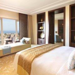 Отель The Ritz-Carlton, Dubai Стандартный номер с различными типами кроватей фото 3