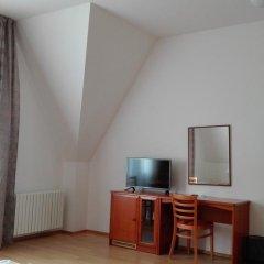 Hotel Jana / Pension Domov Mladeze Номер Комфорт с различными типами кроватей