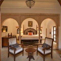 Отель WelcomHeritage Haveli Dharampura 5* Стандартный номер с различными типами кроватей фото 6
