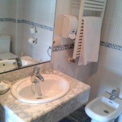Отель Pension Itxasoa Испания, Сан-Себастьян - отзывы, цены и фото номеров - забронировать отель Pension Itxasoa онлайн ванная фото 2