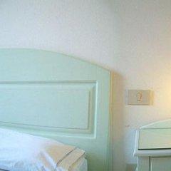 Adua Hotel 2* Стандартный номер с двуспальной кроватью (общая ванная комната) фото 3