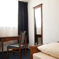 Hotel Blauer Bock 3* Номер Эконом разные типы кроватей (общая ванная комната) фото 5