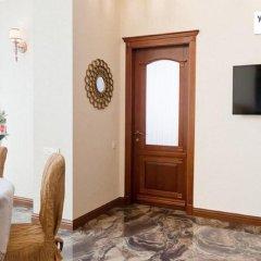 Апартаменты Гефест Апартаменты комната для гостей