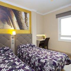Отель Hostal Barcelona Стандартный номер с различными типами кроватей фото 13