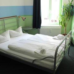 Отель St Christophers Inn Berlin Апартаменты с различными типами кроватей