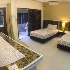 Отель Phuket Airport Suites & Lounge Bar - Club 96 сауна