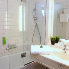 Отель Holiday Inn Hamburg 4* Стандартный номер с различными типами кроватей фото 2