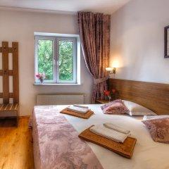 Гостиница Вилла Онейро 3* Номер с общей ванной комнатой с различными типами кроватей (общая ванная комната) фото 5