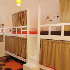 Lisboa Central Hostel Стандартный номер с 2 отдельными кроватями (общая ванная комната) фото 5