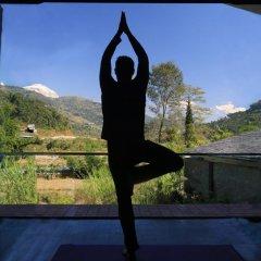 Отель Pavilions Himalayas Непал, Лехнат - отзывы, цены и фото номеров - забронировать отель Pavilions Himalayas онлайн фитнесс-зал