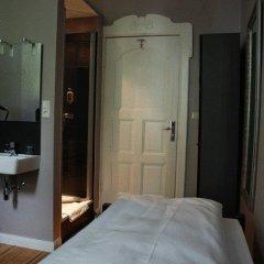 Отель ArtHotel Connection Стандартный номер с различными типами кроватей (общая ванная комната) фото 3