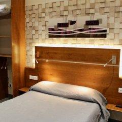 Hotel Des Pyrenees Париж комната для гостей фото 17