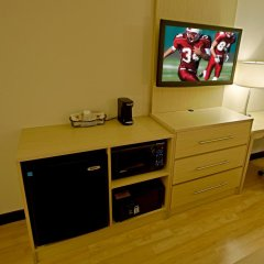 Отель Red Roof Inn PLUS+ Miami Airport 2* Улучшенный номер с различными типами кроватей