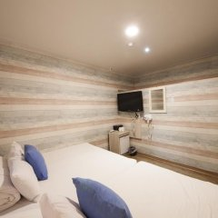 Отель K-guesthouse Sinchon 2 2* Стандартный номер с различными типами кроватей фото 7